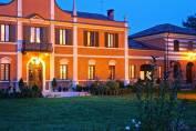 Villa Contessa Massari - Facciata principale al tramonto